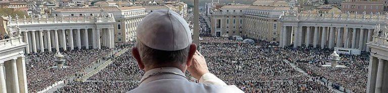 025 – El papa invita al mundo a la santidad